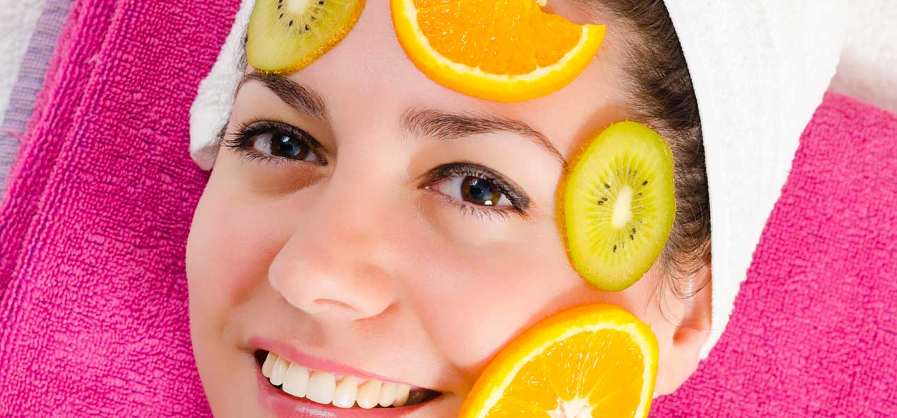 4-Simple-Homemade-Fruit-Packs-for-Oily-Skin