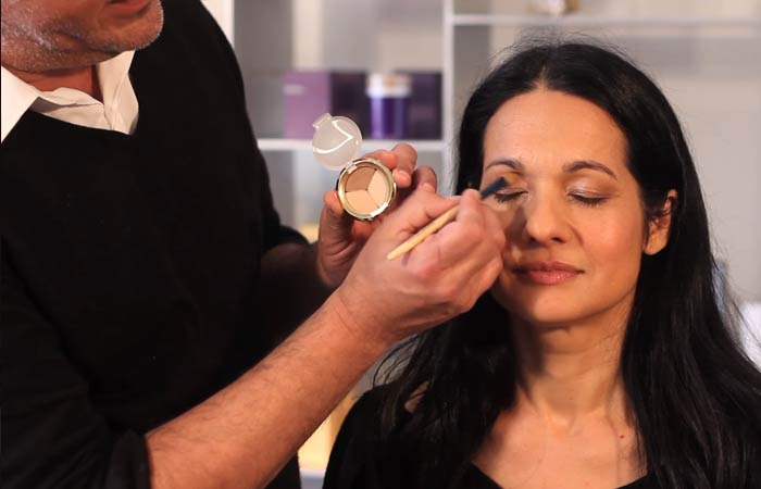 Makeup For Women Over 40 - Do Your Eyeshadow