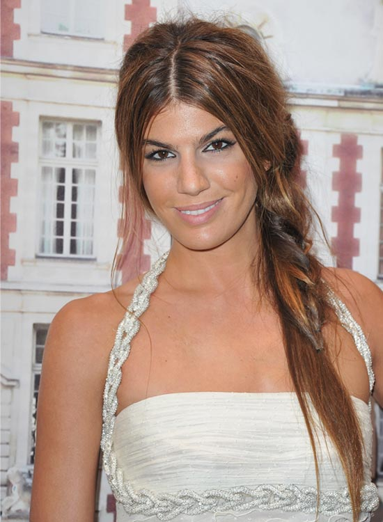 Messy-Casual-Side-Braid-Messy-Center-Parted-Side-Braid-with-Loose-Hair