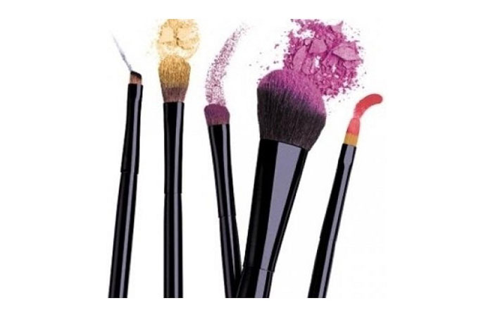 care-from-makeup-brushes