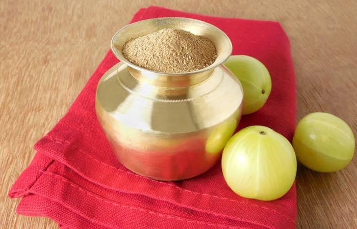1.-Amla-Powder-And-Coconut-Oil