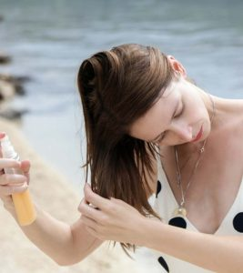 10 Simple Homemade Sunscreens To Protect Your Hair