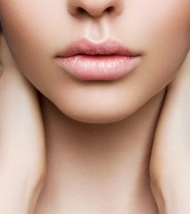 7 Home Remedies To Lighten Dark Lips