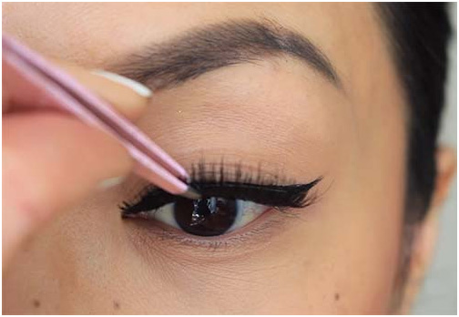Add Some Lash Action