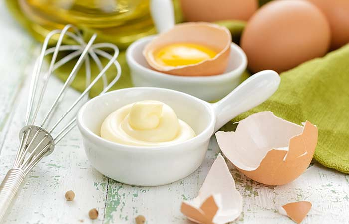 Homemade-Hair-Conditioner-With-Mayonnaise-And-Egg