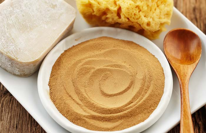 7. Multani Mitti And Rose Water For Exfoliation