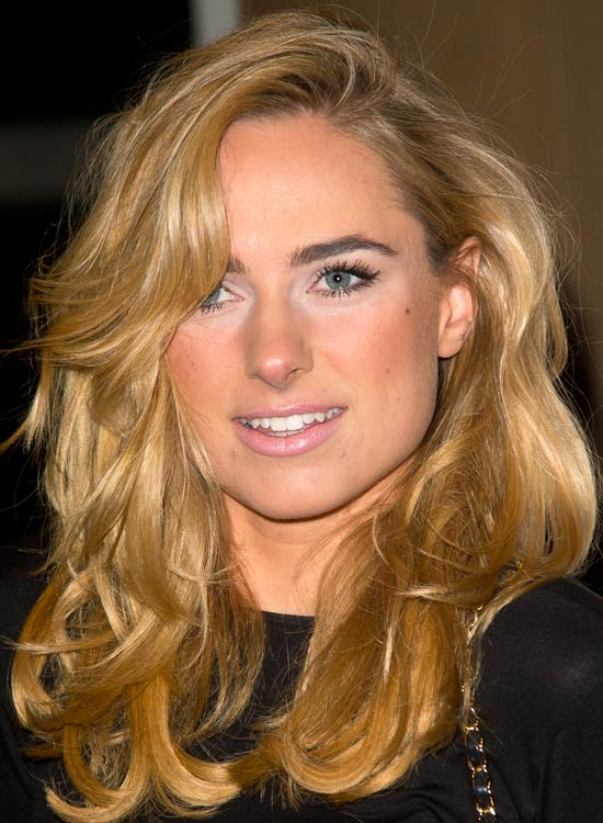 Bouncy-Tousled-Waves-with-Side-Swept-Bangs
