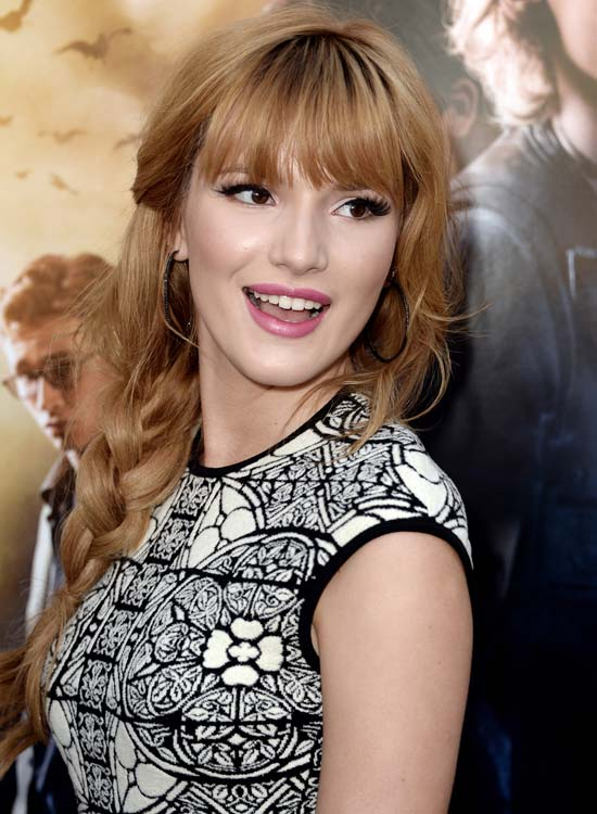 Romantic-Loose-Side-Braid-with-Fringes-and-Wavy-Bang