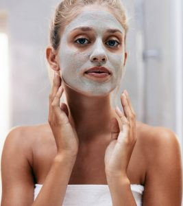 5 Simple Summer Face Packs For Oily Skin