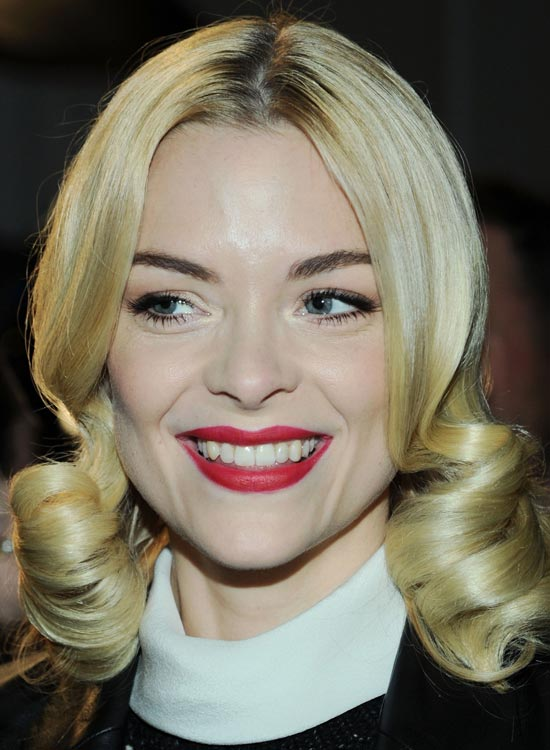 Smooth-Middle-Parted-Bob-with-Vintage-Curls