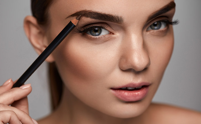 Amazing Makeup Tips And Tricks - Eyebrow Tips