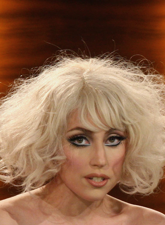 Wavy-Silver-Bob-with-Fringes-and-High-Volume