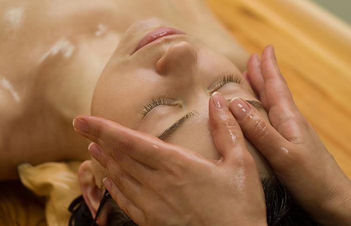 Give Your Face A Massage To Look Beautiful