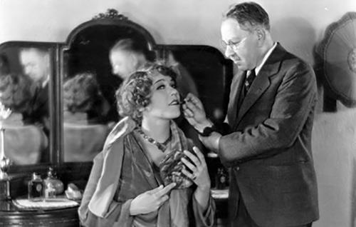 唇膏用于20世纪30年代