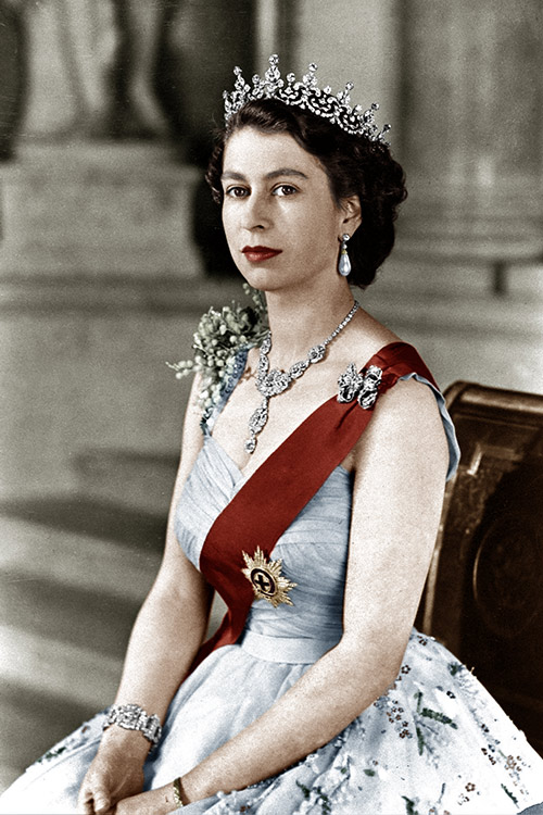 Queen Elizabeth II With Her Own Lipstick in 1952