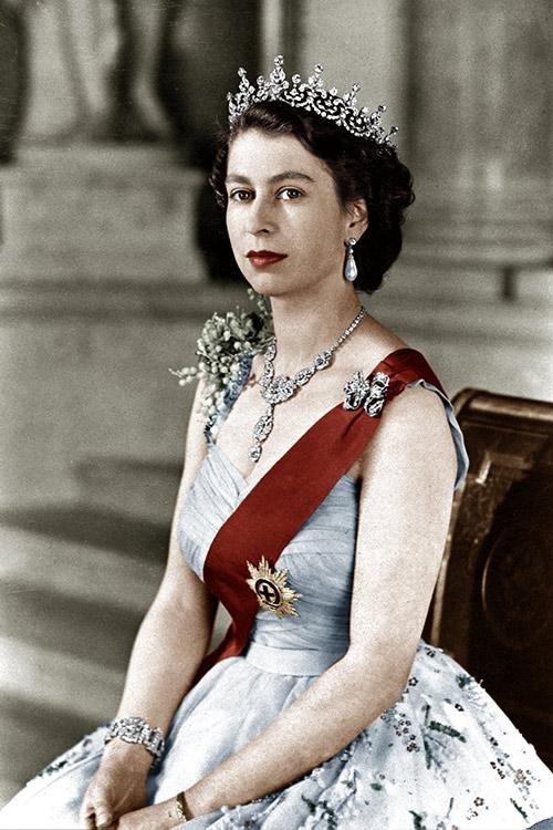 Queen Elizabeth II With Her Own Lipstick in 1952
