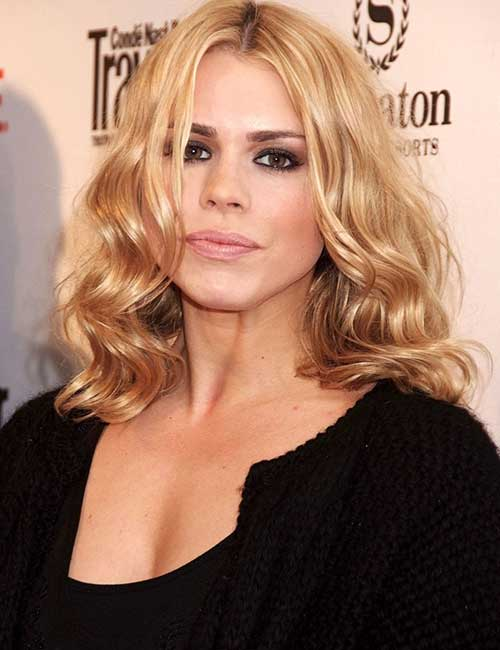 3. Loosely Curled Hair