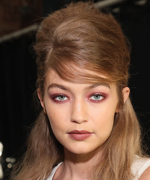 4. Gigi Hadid - Famous Celebrity With The Most Beautiful Eyes In The World