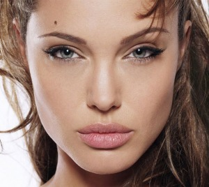 Angelina Jolie Makeup Tips