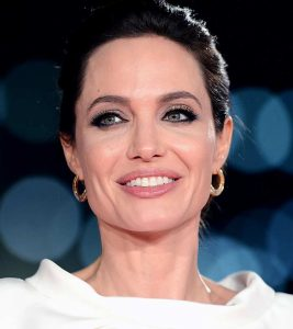 Great Techniques Of Jolie's Makeup