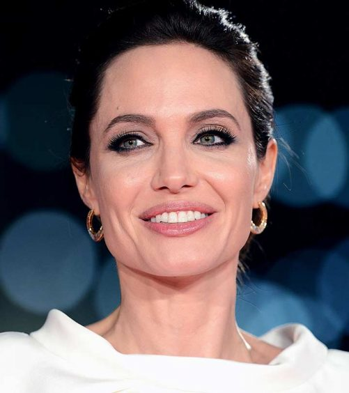 Great-Techniques-Of-Jolie's-Makeup