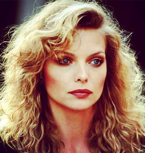 Hairstyles For Heart-shaped Face - Michelle Pfeiffer