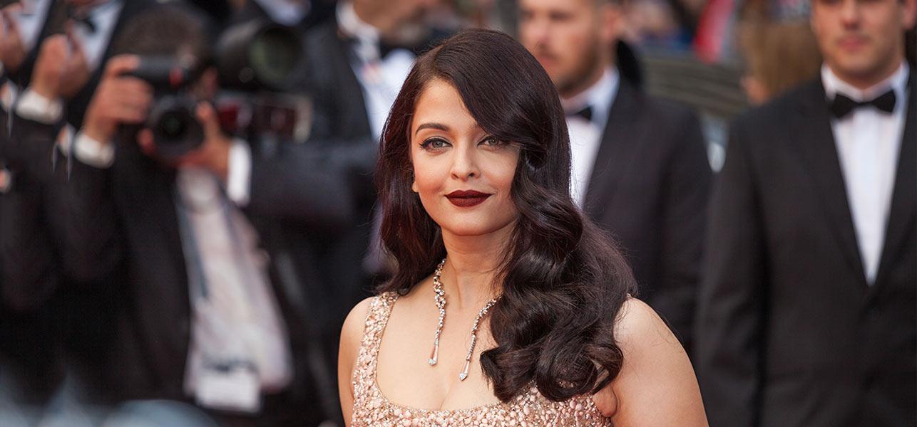 Top-10-Aishwarya-Rai-Hairstyles-Through-The-Years