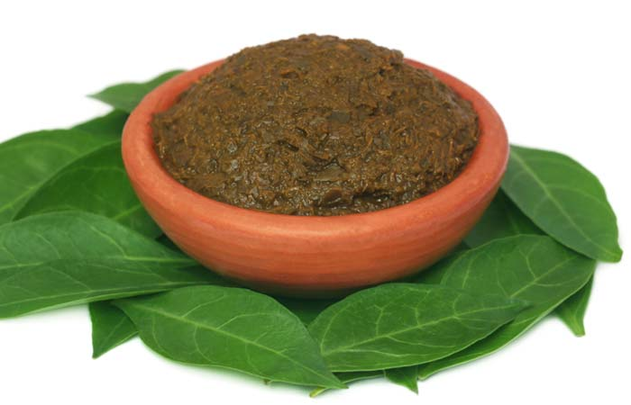 10.-Using-Henna-For-Deep-Conditioning