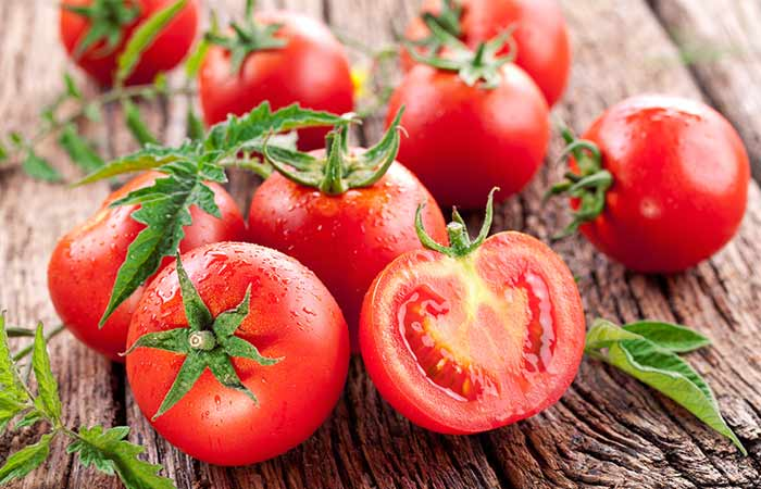 Tomato Face Mask For Glowing Skin. DIY-Face-Masks4