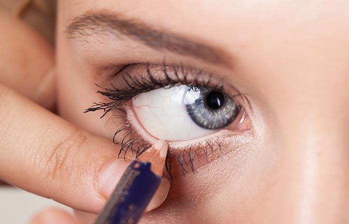 11 Magical Makeup Tricks That Make Your Small Eyes Look Bigger