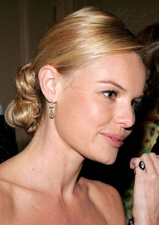 Low-Twisted-Chignon-with-Neat-Side-Sweep