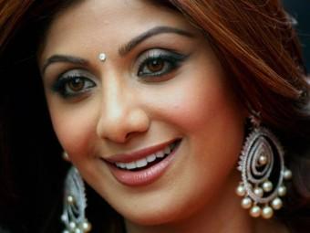 Shilpa-Shetty's-Makeup-And-Beauty-Secrets-Revealed