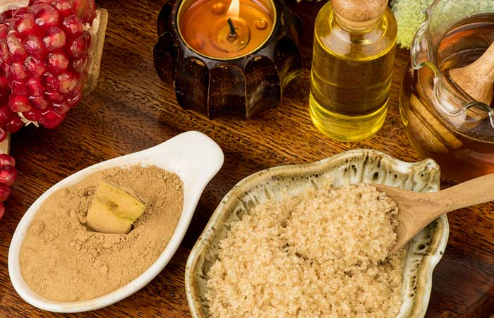 1. Brown Sugar And Jojoba Oil Body Polish