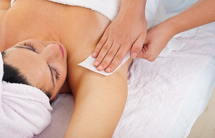 4.-Remove-Underarm-Hair-By-Waxing