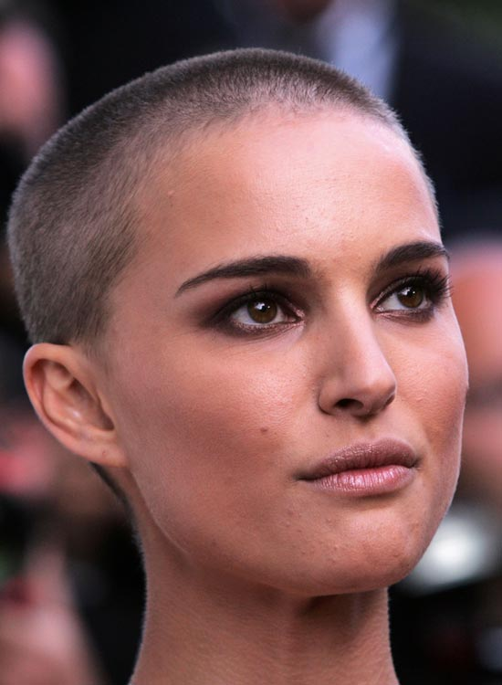 Almost-Bald-Hairstyle-by-Natalie-Portman