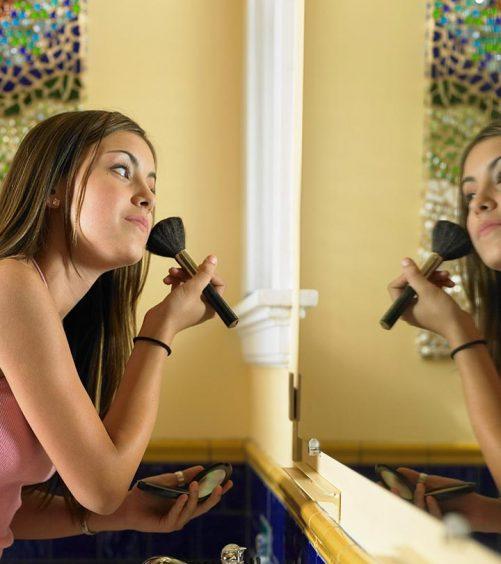 Face-Makeup-Tips-For-Teenage-Girls