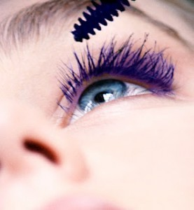 Mascara in blue Black