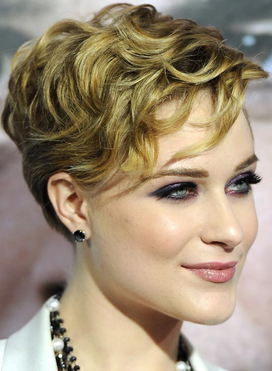 Smart-Pixie-with-Curled-and-Textured-Locks
