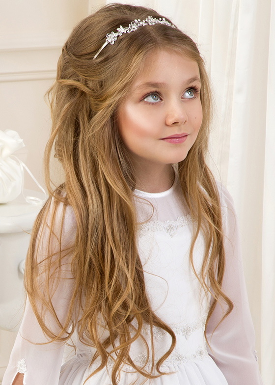 Girl Hairstyle : Stylish hairstyles for your little girl