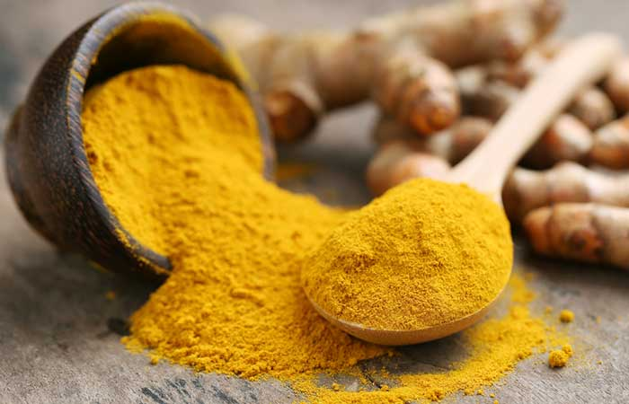 7.Turmeric And Honey Face Pack
