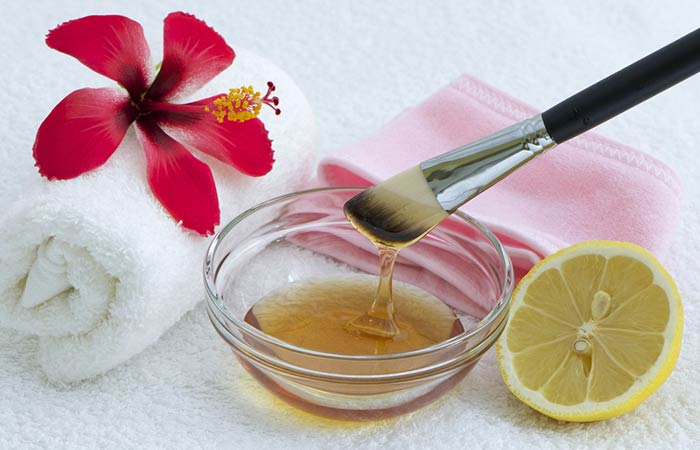 8. Aloe Vera, Honey, And Lemon Face Pack