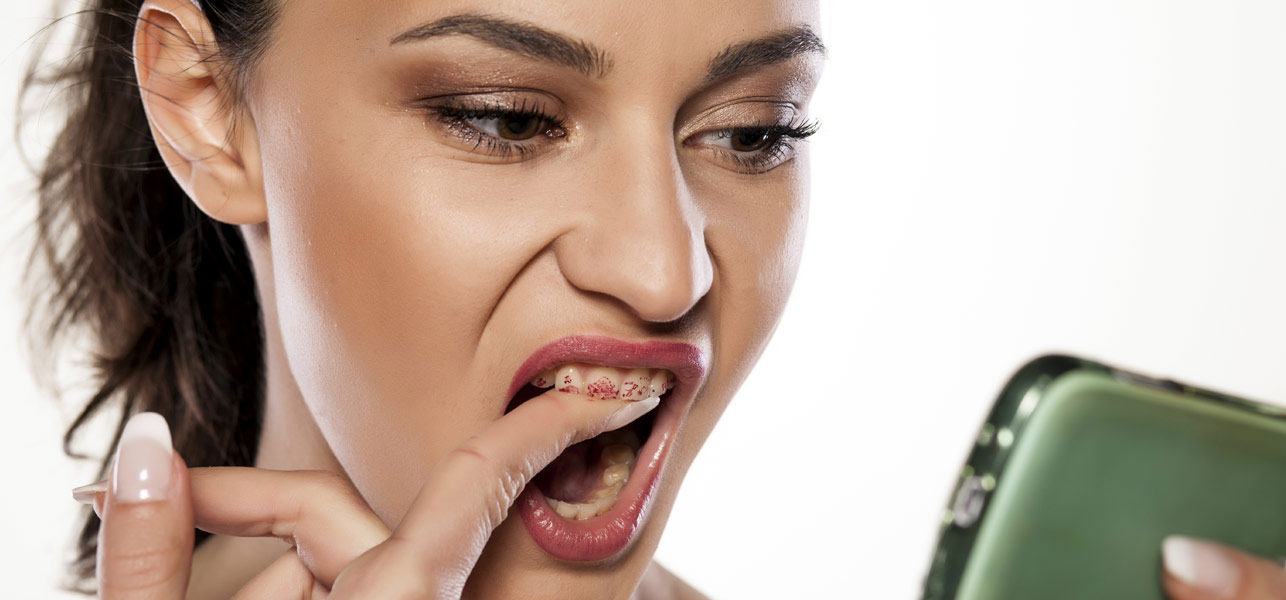 Prevent Lipstick From Getting On Your Teeth