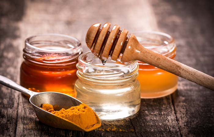 Turmeric And Honey Face Pack