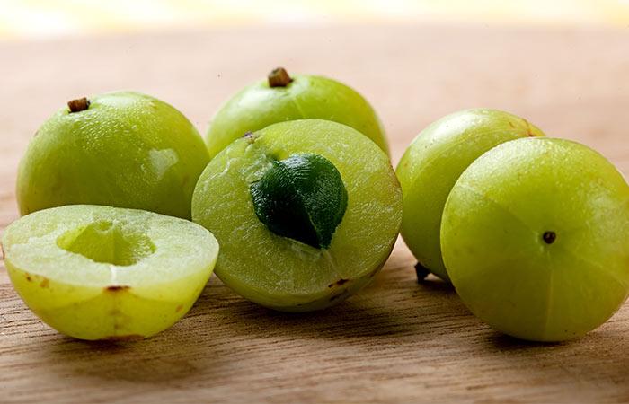 1)-Amla-or-Indian-Gooseberry