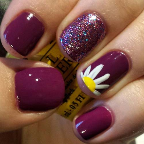 28. Purple Daisy Nails