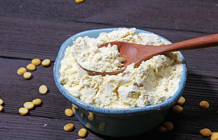 4. Gram Flour Scrub