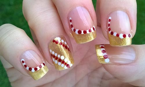 42. Candy Cane Christmas Nail Art