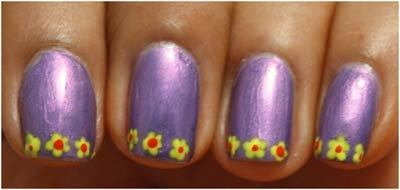 Flower Nail Art Designs - Create 3 to 4 flowers on the tip