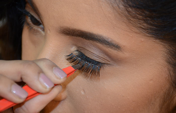 5. Fix The Lashes on Your Eyelid