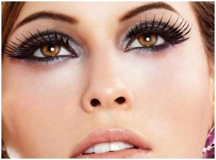 Eye Makeup Tips For Big Eyes - False Lashes